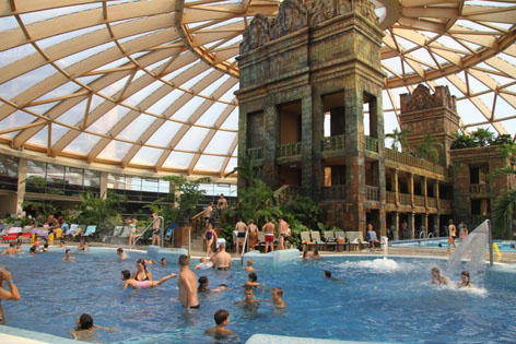 Visiting Indoor Waterparks In Europe Part 2 Seven Seas
